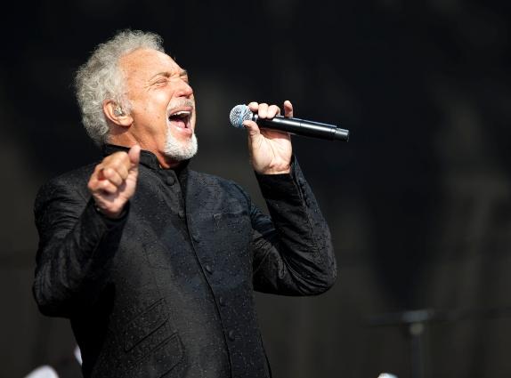 Tom Jones to headline Hideway Festival