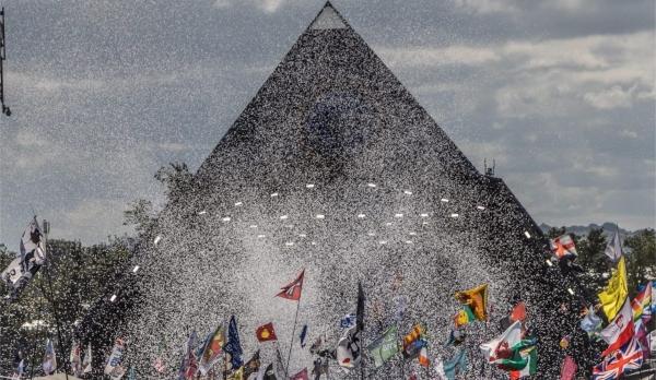 Glastonbury Festival - photo by Elaine Savage