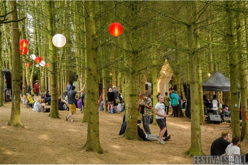 2000 Trees 2015