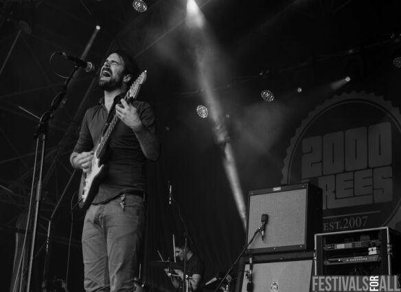 Arcane Roots at 2000trees 2014