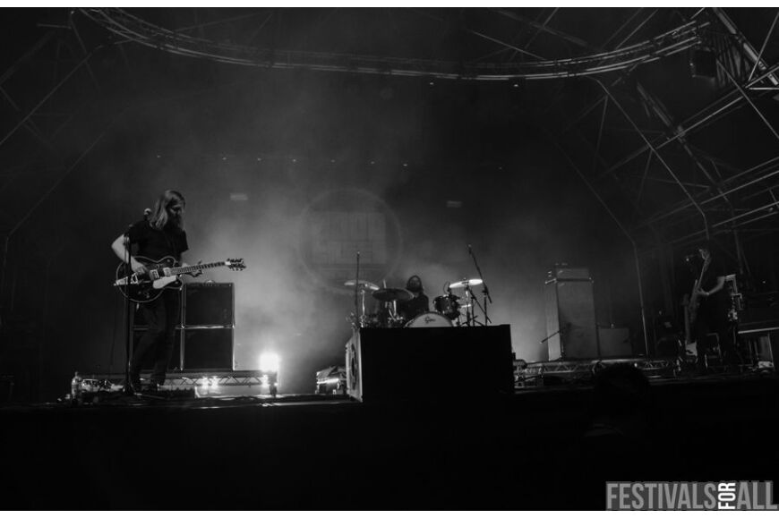 Band of Skulls @ 2000trees 2104