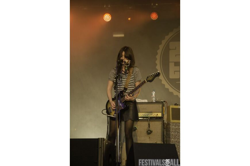Blood Red Shoes @ 2000trees 2014