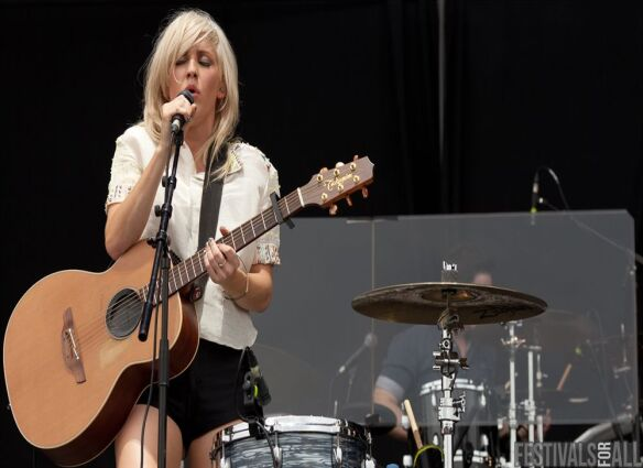 Ellie Goulding on the Main Stage at V Festival (Chelmsford) 2011