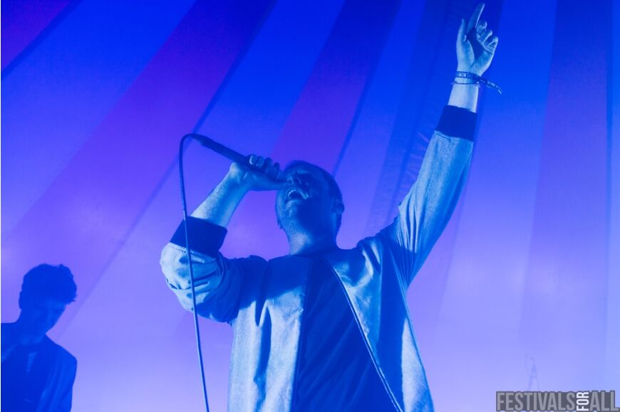 Everything Everything at Leefest