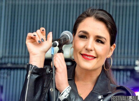 Jessie Ware at Evolution Festival 2012