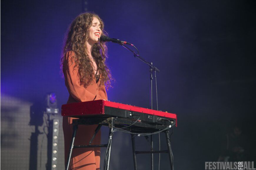 Rae Morris at Festival No 6