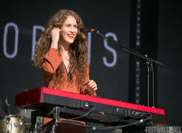 Rae Morris at Festival No:6 2015