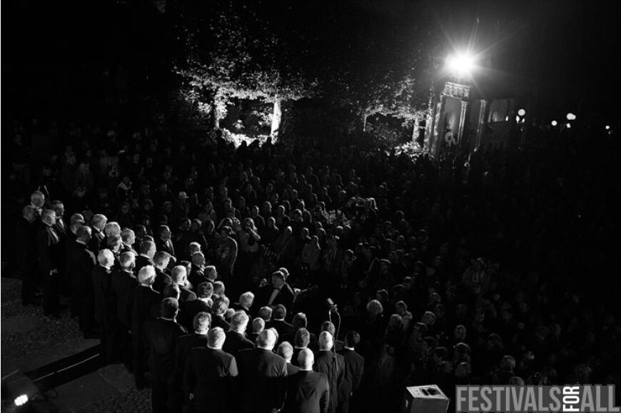 The Brythoniais Welsh Male Voice Choir at Festival No 6 2013