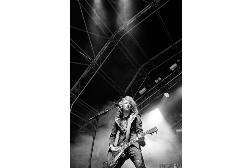 The Darkness at Brownstock 2015