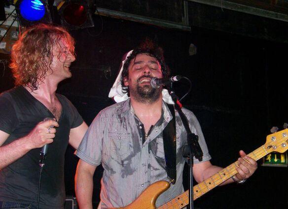 Toby and Dante (GUN) - Edinburgh - 30.05.09