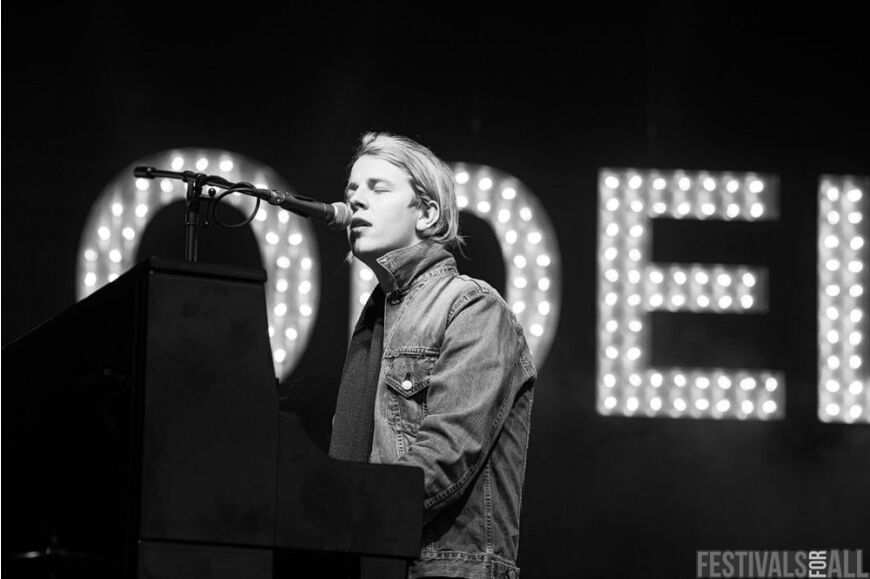 Tom Odell at Festival No 6 2014