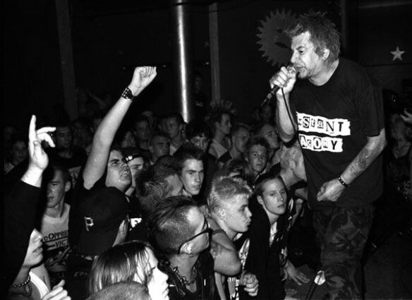 uk_subs_and_crowd_punk_s_not_dead_movie_image